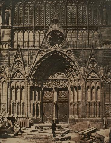 """""""Portail Saint - Étienne en cours de restauration, Notre-Dame de Paris"""","""